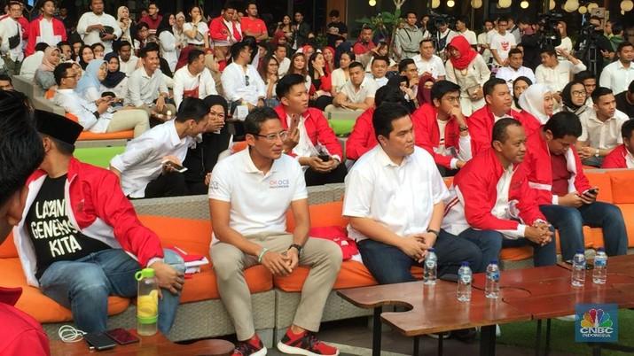 Selepas pertemuan rekonsialisasi Jokowi-Prabow0, emiten asuhan Sandiaga Uno bergerak bervariatif, SRTG naik 1,69%, MPMS stagnan, dan TBIG merosot 0,95%