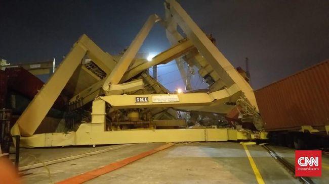 KSOP Periksa Insiden Kapal Tabrak Crane di Tanjung Mas