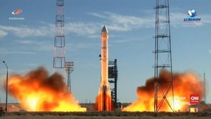 VIDEO: Rusia Luncurkan Roket Proton-M