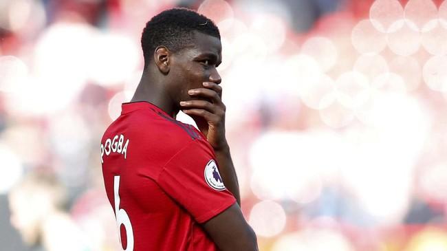 Baru-baru ini, gelandang Manchester United Paul Pogba tak mau menjawab pertanyaan media soal rumor transfernya. Real Madrid dan Juventus jadi dua klub yang mendekati pemain Prancis ini. ( REUTERS/Andrew Yates)