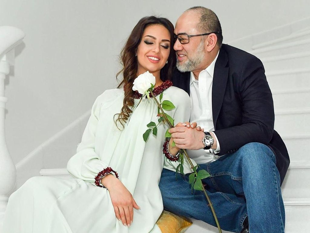 Surat Cerai Beredar, Miss Moscow Tetap Bantah Pisah dari Sultan Kelantan