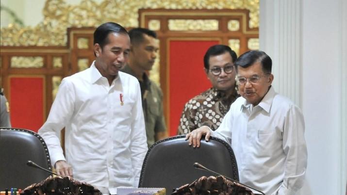 Presiden Joko Widodo (Jokowi) nampaknya mulai khawatir dengan langkah China yang 'memainkan' nilai tukar yuan