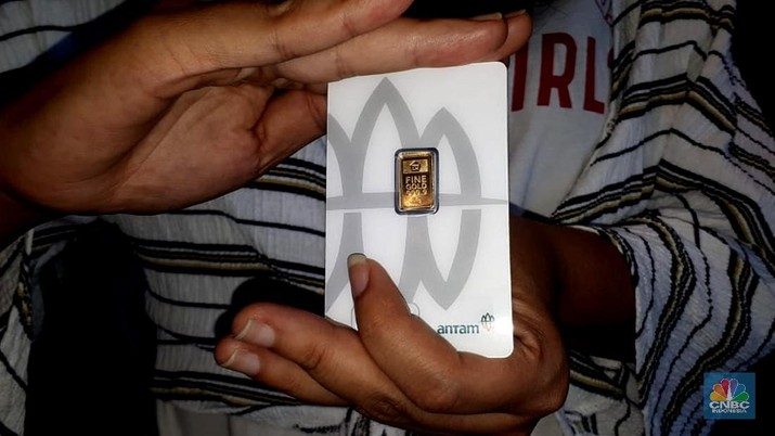 Waduh! Harga Emas Antam Hari Ini Jeblok Rp 11.000/gram