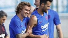 FOTO: Transfer Bermasalah, Griezmann Semringah di Barcelona