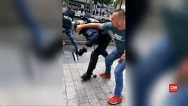 VIDEO: Polisi Diserang Saat Bentrok di Paris
