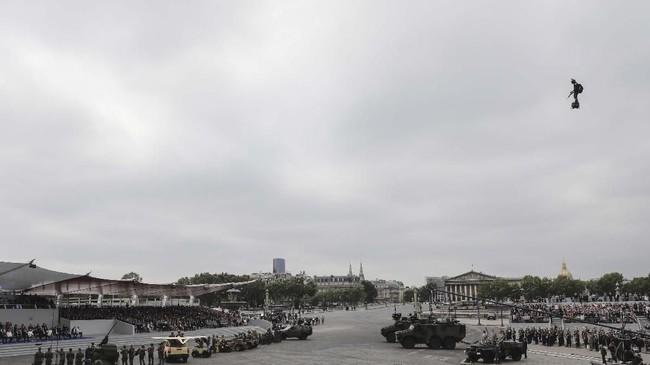Bastille Day merupakan peristiwa penting dalam Revolusi Perancis. (Photo by LUDOVIC MARIN / AFP)