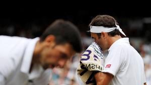 FOTO: Duel Melelahkan Djokovic vs Federer di Final Wimbledon