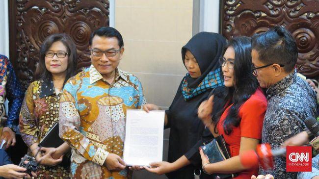 Baiq Nuril Serahkan Surat Permohonan Amnesti ke Jokowi