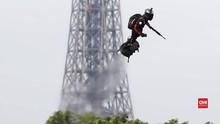 VIDEO: Prancis Pamer 'Tentara Terbang' di Parade Militer