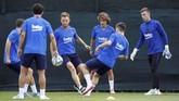 Griezmann diprediksi akan menambah variasi serangan Barcelona di bawah asuhan Ernesto Valverde. Dengan skema 4-3-3, Barcelona akan memiliki trio lini depan MSG (Messi, Luis Suarez, Griezmann). (REUTERS/Albert Gea)