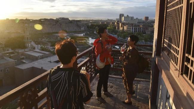Pada tahun 2018 jumlah turis ke Kashgar mengalami peningkatan kunjungan 40 persen dari tahun sebelumnya - terutama dari wisatawan domestik - sebesar 25 persen. (GREG BAKER/AFP)