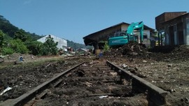 Menghidupkan Kembali Stasiun Kereta Tertua di Sumatera Barat
