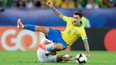 Kita bisa menyaksikan kepindahan Philippe Coutinho pekan ini setelah pemain asal Brasil itu digunakan Barcelona sebagai alat tukar Neymar dari PSG. (REUTERS/Henry Romero)