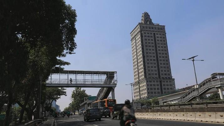 Dari viralnya gedung Menara Saidah hingga Deretan artis yang masuk kursi parlemen