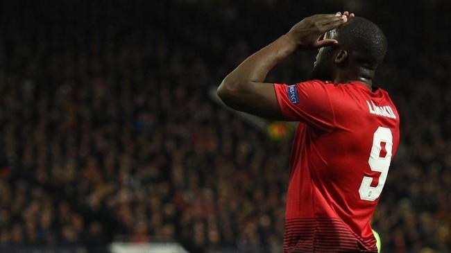 Transfer Romelu Lukaku dari Manchester United ke Inter Milan diyakini akan terjadi pekan ini setelah sang pemain sudah meninggalkan persiapan pramusim The Red Devils. (Oli SCARFF / AFP)