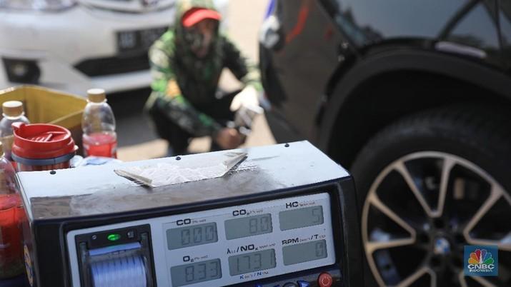 Kualitas Udara Memburuk, Pemprov Gelar Uji Emisi Kendaraan (CNBC Indonesia/Andrean Kristianto)