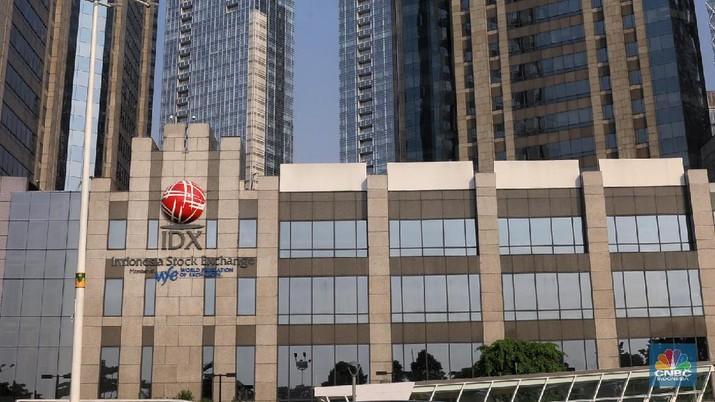 Kala itu, bankir senior Jerry Ng dan pengusaha Patrick Walujo berkongsi akan mencaplok 51% saham Bank Artos.
