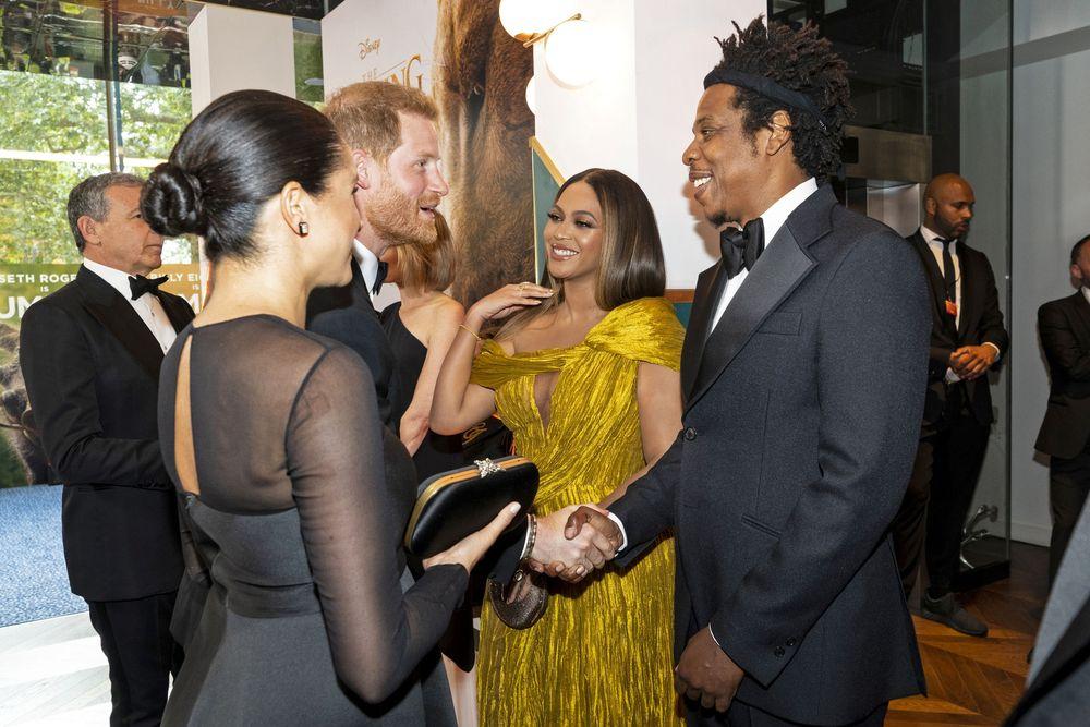 Prince Harry dan Duchess Meghan menghadiri pemutaran film The Lion King, Minggu (14/07) dan bertemu Beyonce dan Jay Z.