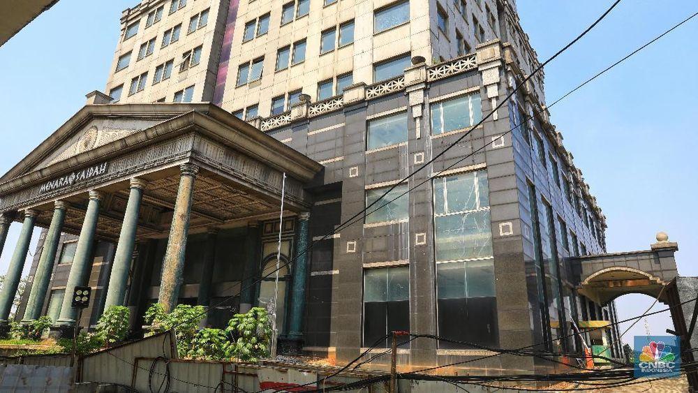 Dahulu gedung ini merupakan salah satu gedung mewah yang menjadi pusat perkantoran di lokasi strategis Jakarta. (CNBC Indonesi/Andrean Kristianto)