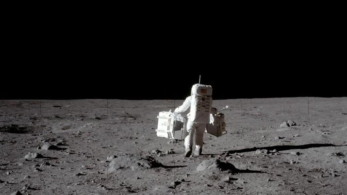 Bukti Neil Amstrong Cs Jejakkan Kaki di Bulan 50 Tahun Lalu