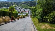 Kota Kecil di Inggris Punya Jalanan Paling Curam di Dunia
