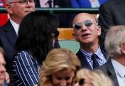Uhuy! Orang Terkaya Dunia Gandeng Pacar Baru Nonton Wimbledon
