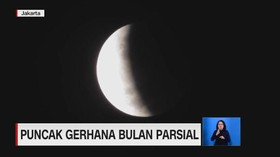 VIDEO: Puncak Gerhana Bulan Parsial