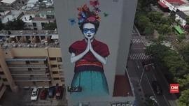 VIDEO: Frida Kahlo Terpampang di Tembok Meksiko.