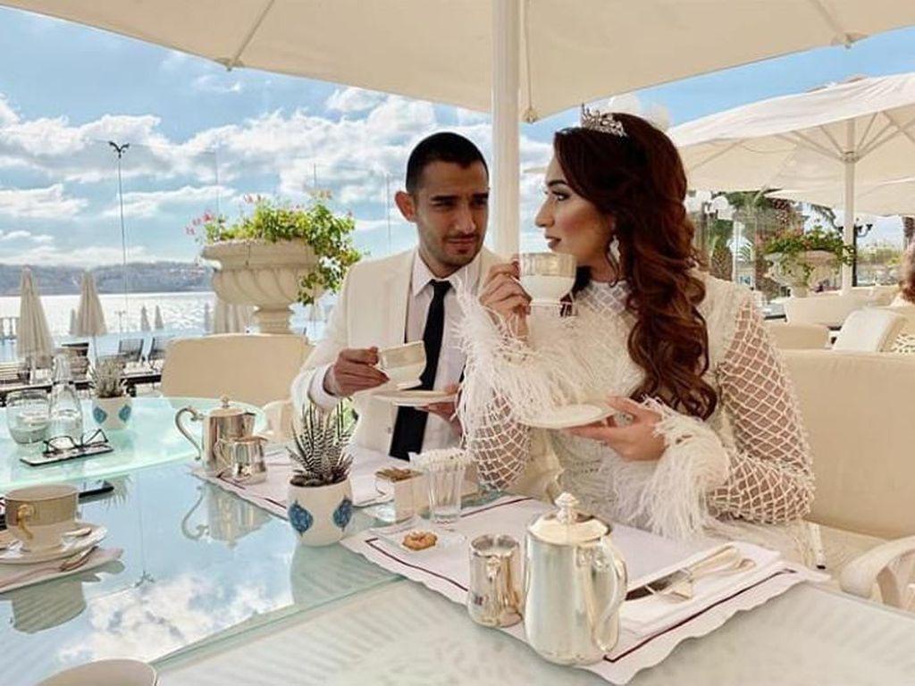 Akan Segera Menikah, Ini Potret Kedekatan Tania Nadira dan Abdull Alwi Saat Dinner