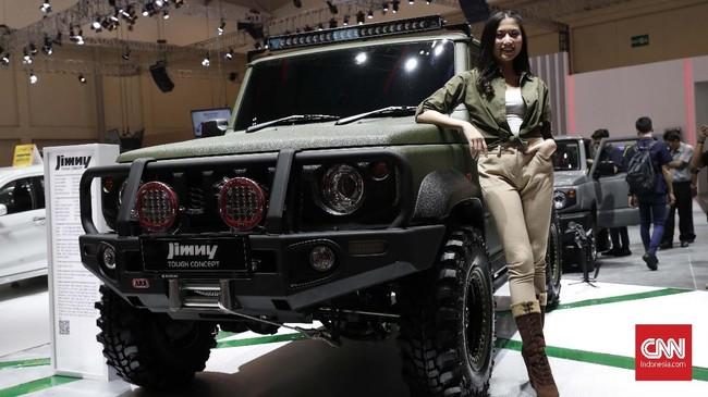 Suzuki Jimny salah mobil ikonik sepanjang pameran berlangsung. Para pengunjung sudah bisa memesan mini jip ini. (CNNIndonesia/Safir Makki)