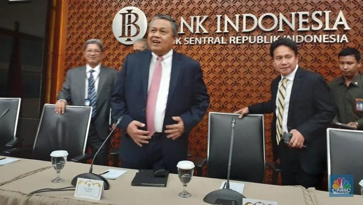 Bank Indonesia (BI) memproyeksikan defisit transaksi berjalan CAD di akhir tahun ini akan mengalami penurunan menjadi 2,8%