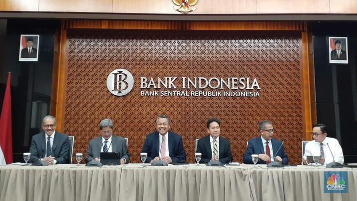 Bank Indonesia (BI) akhirnya menurunkan suku bunga acuannya dari 6% ke 5,75%.