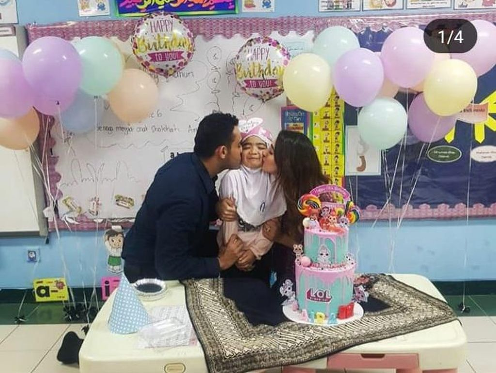 Tak ketinggalan anak perempuan Tania juga mendapat kejutan ulang tahun dari Tania dan Abdull. Mereka sampai rela mendatangi ke sekolahnya. Foto: Instagram @tanianadiraa