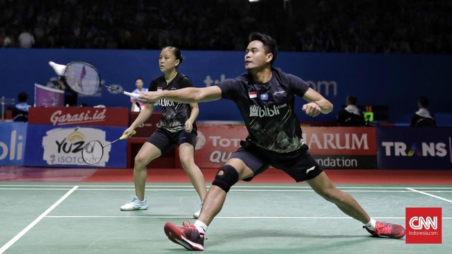 Di perempat final Tontowi/Winny akan menghadapi pasangan Malaysia yang juga unggulan kelima, Chan Peng Soon/Goh Liu Ying.Tahun 2019 jadi Indonesia Open pertama bagi Tontowi/Winny. (CNN Indonesia/Adhi Wicaksono)