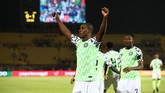 Laga baru berjalan tiga menit, Nigeria unggul 1-0 atas Tunisia melalui gol sang striker Odion Ighalo. (REUTERS/Sumaya Hisham)