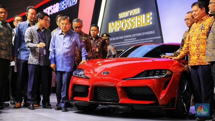 Sebentar lagi Indonesia akan menyongsong era mobil listrik.
