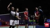 Di babak kedua Ahsan/Hendramengalahkan ganda Jerman Mark Lamsfuss/Marvin Seidel 21-16, 21-17. Di perempat final Ahsan/Hendra akan menghadapi unggulan kelima dari Jepang, Hiroyuki Endo/Yuta Watanabe.(CNN Indonesia/Adhi Wicaksono)