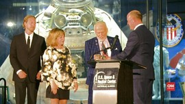 VIDEO: 'Buzz' Aldrin Peringati 50 Tahun Pendaratan Apollo 11
