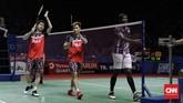 Kevin/Marcus ke perempat final setelah mengalahkan ganda putra India Satwiksairaj Rankireddy/Chirag Shetty dalam pertarungan dua set langsung 21-15, 21-14. (CNN Indonesia/Adhi Wicaksono)