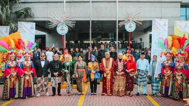 Bertepatan dengan ulang tahun ke-54, PT Perusahaan Gas Negara Tbk (PGAS) menggelar parade kebudayaan.