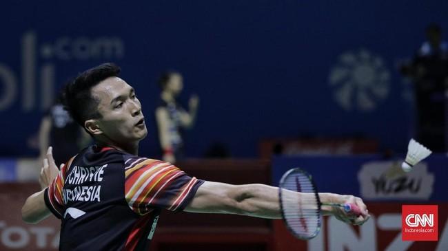 Tunggal putra andalan Indonesia, Jonatan Christie, terhenti di babak perempat final usaikalah dariChou Tien Chen (Taiwan) dengan skor 21-16, 18-21, dan 14-21. (CNN Indonesia/Adhi Wicaksono)