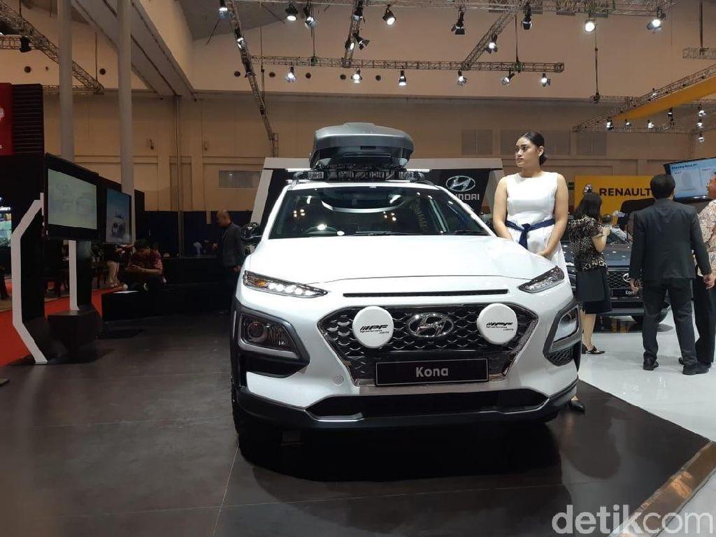 Hyundai Kona modifikasi ini bertemakan Fun & Attractive Dressed-Up dengan kombinasi warna hitam dan putih. Foto: Ridwan Arifin/detikOto