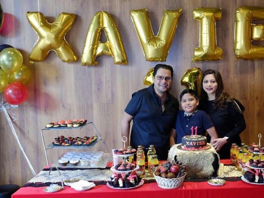 Begini nih perayaan ulang tahun Xavier ke-11 tahun 2017 lalu. Pestanya dipenuhi camilan dan minuman manis. Foto: Instagram cutkeke_xavier