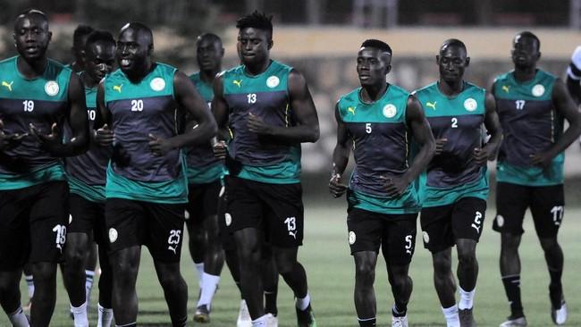 Timnas Senegal menjalani latihan terakhir sebelum bertanding dalam laga final Piala Afrika 2019 di Stadion 30 Juni, Kairo, Mesir. (REUTERS/Shokry Hussien)