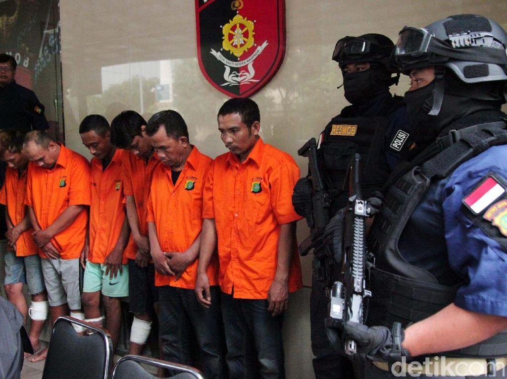 Subdit Resmob Ditreskrimum Polda Metro Jaya mengungkap sembilan kasus dari sejumlah wilayah yang ditangani diantaranya kasus curanmor, curas, pencurian modus ban kempes, pencurian modus mengganjal ATM, dan penipuan lewat telepon.