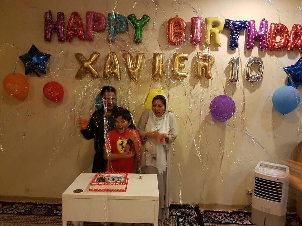 Pada 26 November 2016, aktris berdarah Aceh itu membagikan momen perayaan ulang tahun Xavier ke-10. Tentunya bersama sang suami tercinta. Foto: Instagram cutkeke_xavier