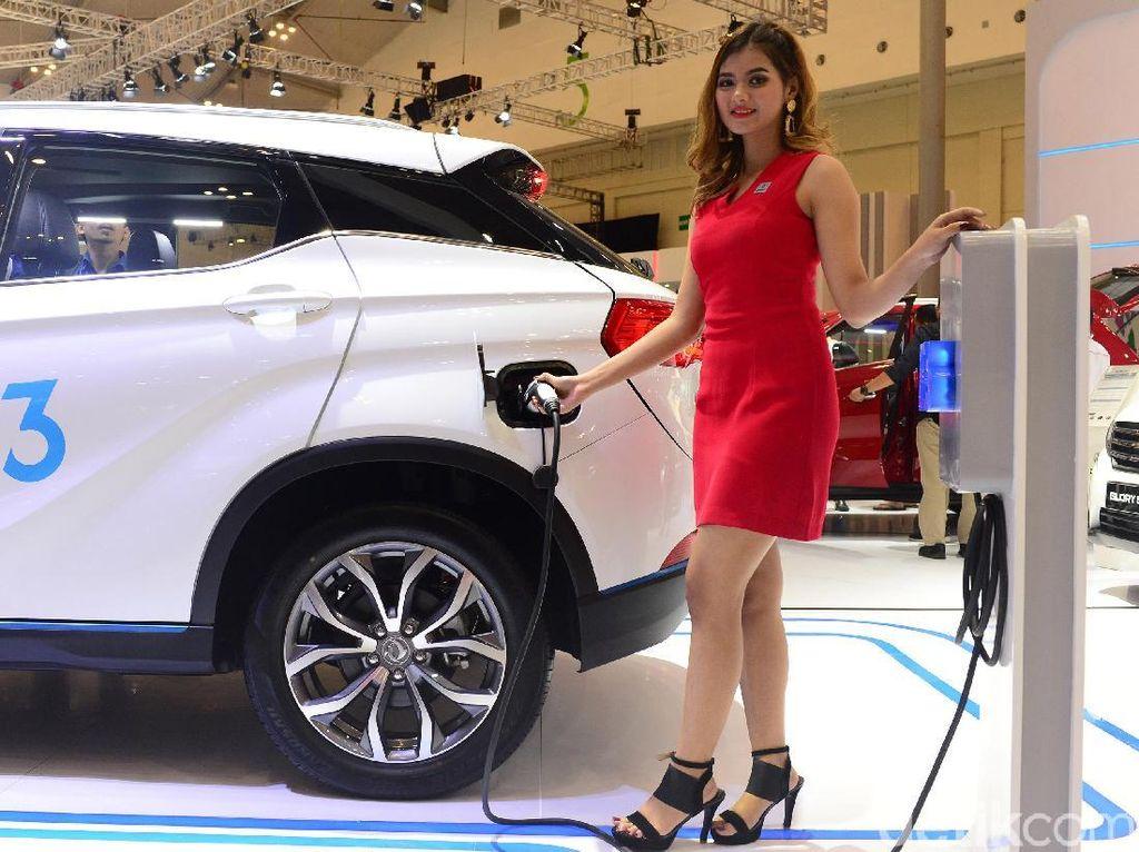 Mobil yang sudah ditampilkan perdana di Shanghai Auto Show 2018 ini berdimensi 4385mm x 1850mm x 1647mm (PxLxT) dan memiliki wheelbase 2655mm. Foto: Ari Saputra