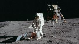 'Oleh-oleh' Batuan Bulan di Misi Apollo 11 untuk Bumi