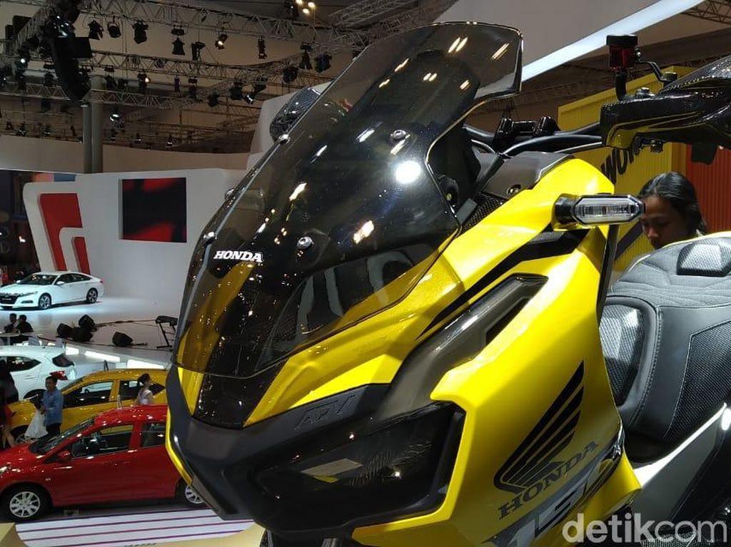 Motor modifikasi desain Honda ini dibangun oleh pemilik bengkel modifikasi Witjax Modizigner, Agus Wicaksono. Foto: PT Astra Honda Motor