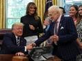 Temui Awak Apollo 11, Trump 'Curhat' Kendala Misi ke Mars